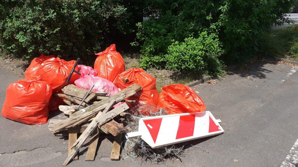 Bild zeigt nur einen Teil der eingesammelte Müllmenge.